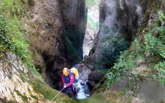 speleo-canyoning in rio cares next to camping el cares picos de europa