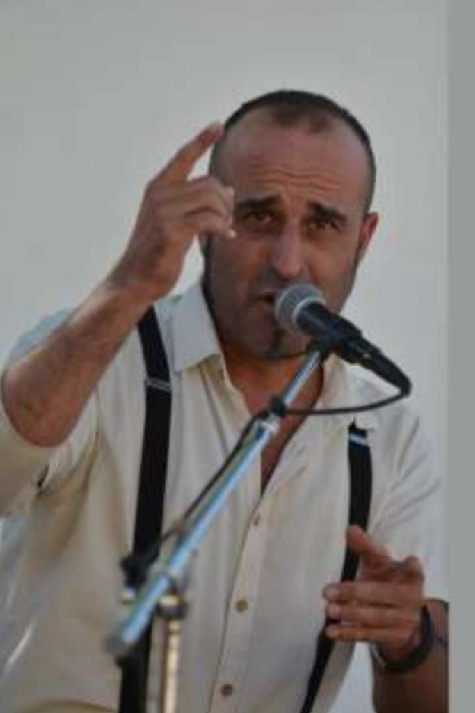 Diego Paqué, artista polifacético, fusión de estilos de tendencia flamenca.