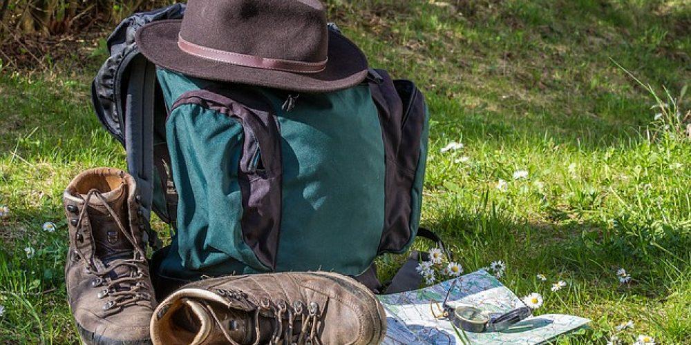 https://campingelcarespicosdeeuropa.com/wp-content/uploads/2018/03/orientarse-hiking-1312226_640.jpg