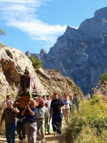 Valdeón Festivals: The magical traditions in Picos de Europa.
