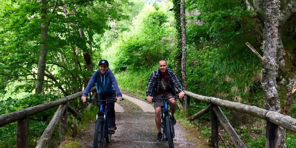 https://campingelcarespicosdeeuropa.com/wp-content/uploads/2020/06/IMG_0870-fda-bike.jpg